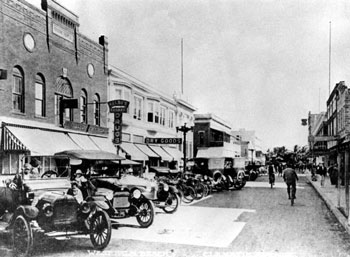 Clematis Street (1916)